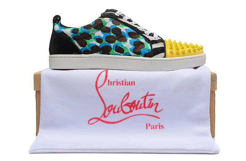 Does Nordstrom Carry Christian Louboutin Shoes In Store